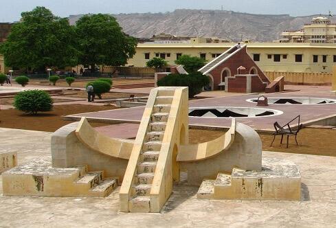Jantar Mantar jaipur kids Picnic spot