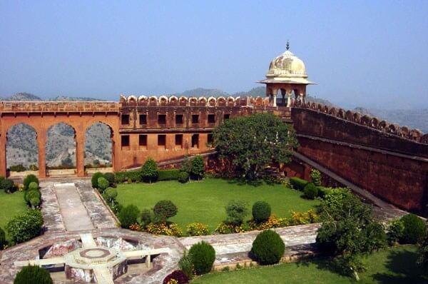 Jaigarh Fort Summer Picnics
