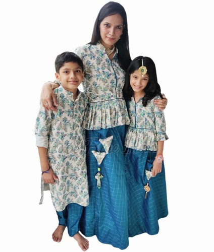 Indian Family Matching Traditional Dress Jaipur